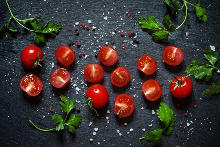 tomaten ziehen tomaten pflanzen selber ziehen so gelingen. Black Bedroom Furniture Sets. Home Design Ideas