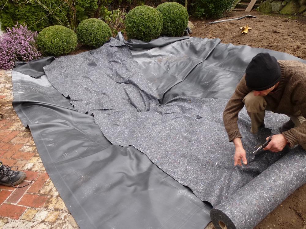 folienteich richtig anlegen so bleibt der teich dicht. Black Bedroom Furniture Sets. Home Design Ideas